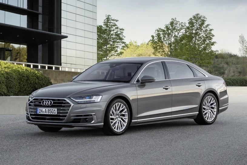 Audi A8 L /