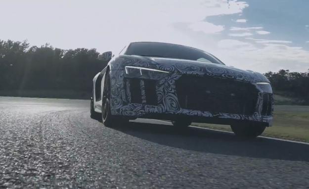 Audi R8 V10 plus na torze Ascari /Audi