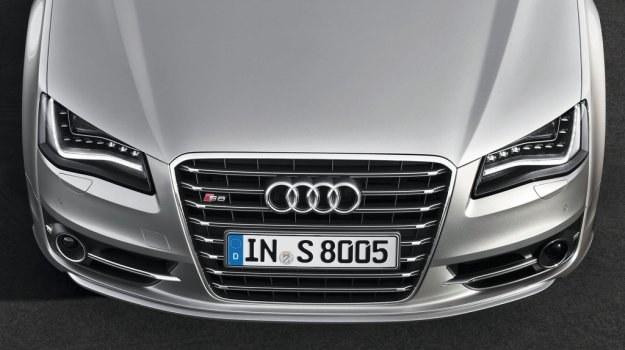 Audi S8 (2011) /Audi