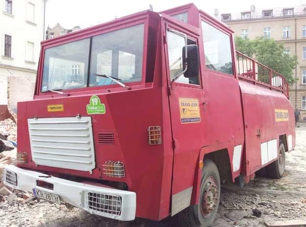 Auto wykorzystuje jedna z firm specjalizujących się w robotach ziemnych i rozbiórkowych /poboczem.pl