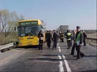 Autobus, z którym zderzył się tir /RMF