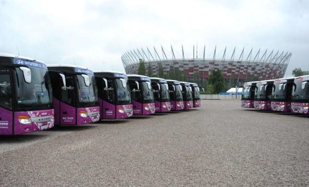 Autobusy wszystkich reprezentacji /PAP