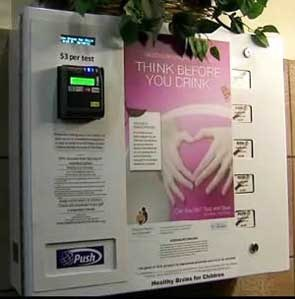 Automat z testami ciążowymi /materiały prasowe