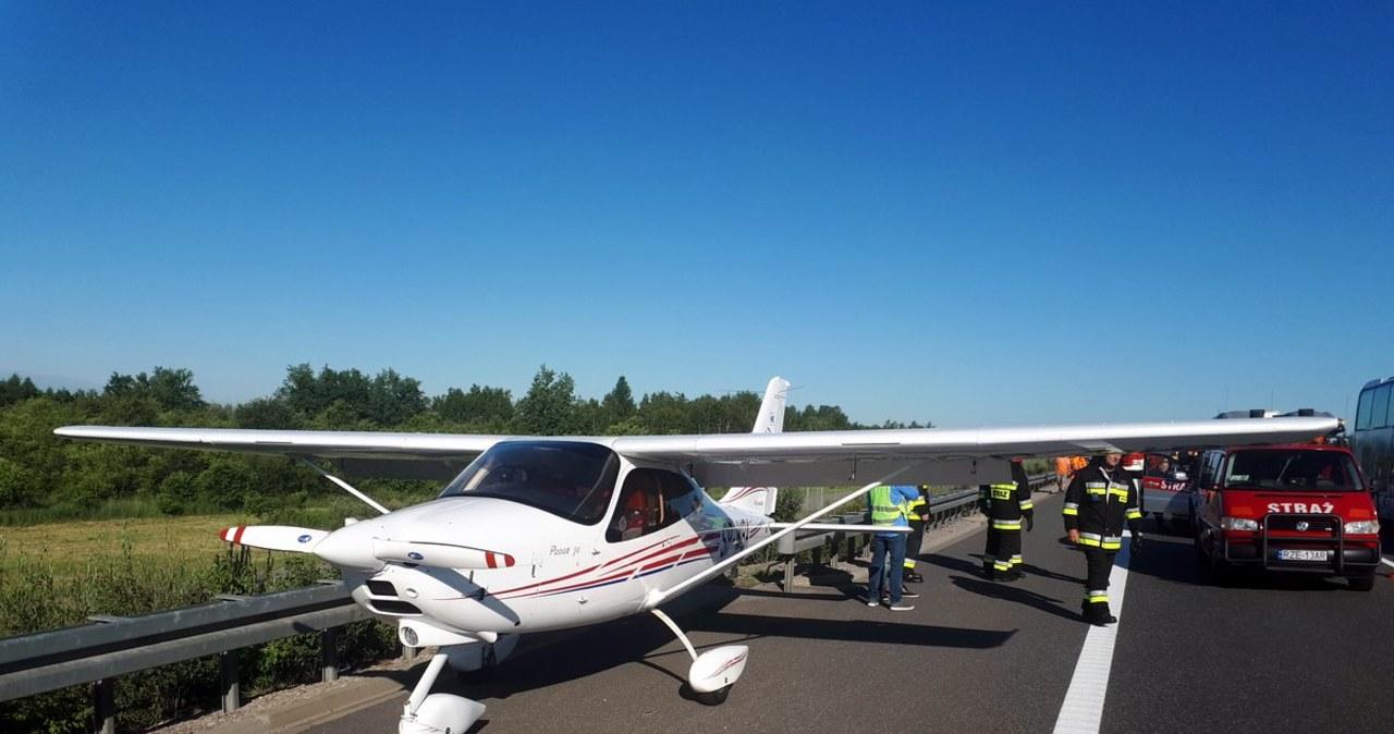 Awaryjne lądowanie awionetki na A4