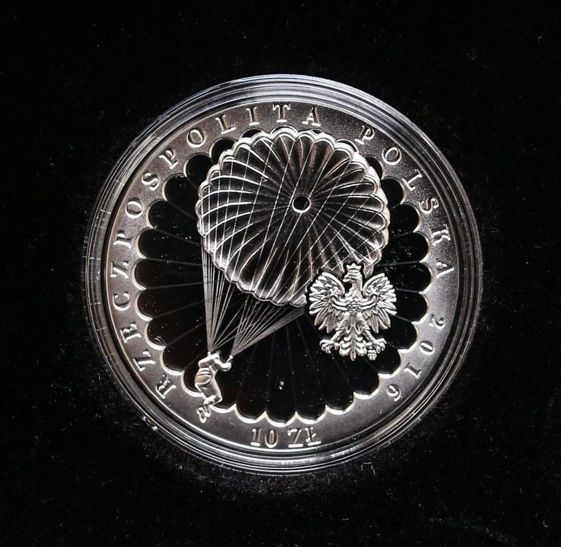 Awers monety /Leszek Szymański /PAP