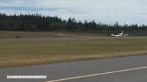 Awionetka wylądowała bez przedniego podwozia. Awaryjne lądowanie na lotnisku w stanie Waszyngton