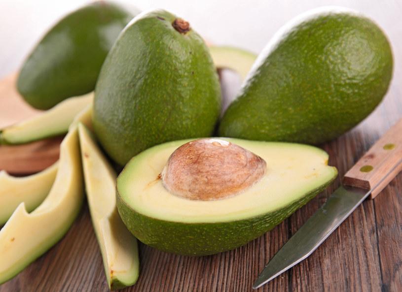 Awokado jest świetnym źródłem białka /123RF/PICSEL