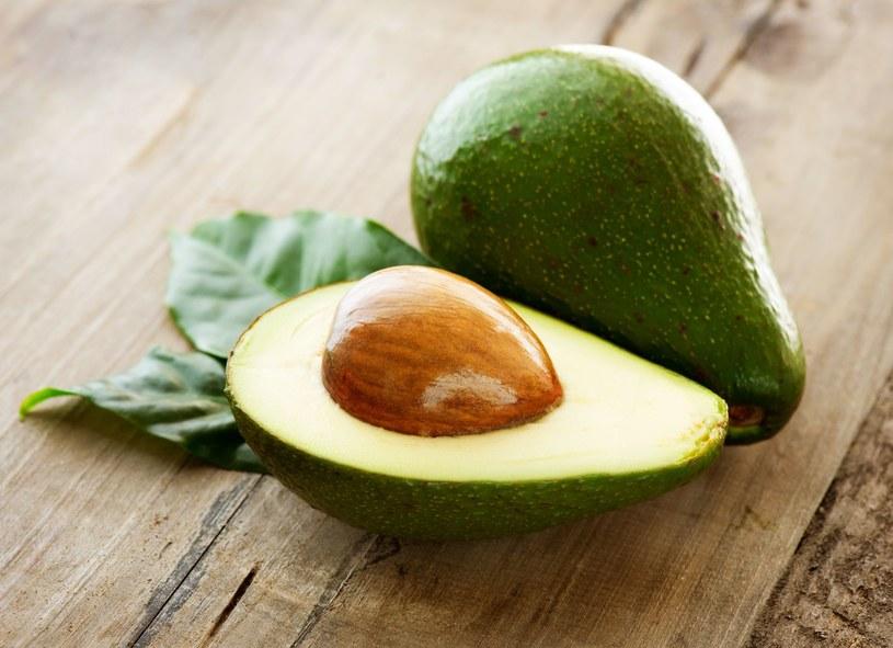 Awokado zawiera zdrowe tłuszcze /123RF/PICSEL