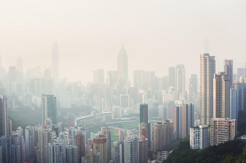 Aż 2 mld dzieci na świecie oddycha zanieczyszczonym powietrzem /123RF/PICSEL