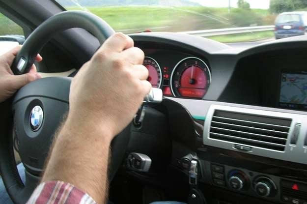 Aż 90% badanych uważa się za kierowców jeżdżących rozważnie /INTERIA.PL