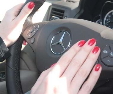 """""""Baba za kierą"""", czyli styl jazdy kobiet?"""