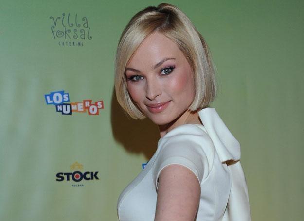 Babcia aktorki żartuje, że to dzięki niezwykłej diecie Weronika wyrosła na dziewczynę z ikrą /MWMedia