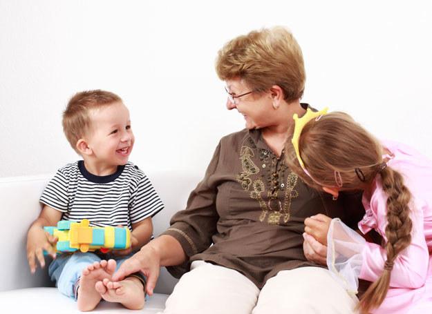 Babcia faworyzuje jedno z dzieci /Chwila dla Ciebie