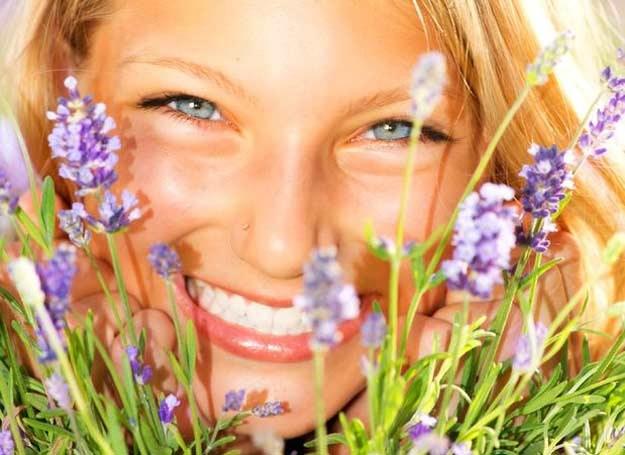 Bądź naturalnie piękna /©123RF/PICSEL
