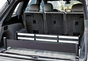 Bagażnik ma pojemność 890 l. Z trzecim rzędem siedzeń (złożonym) maleje do 770 l. /Motor