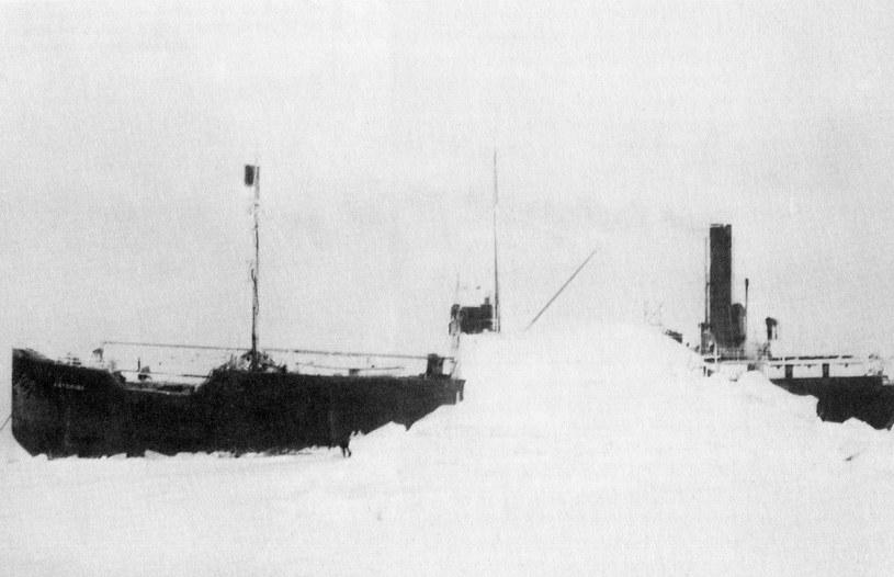 Baichimo przez lata dryfował w lodach bez załogi na pokładzie /Wikipedia