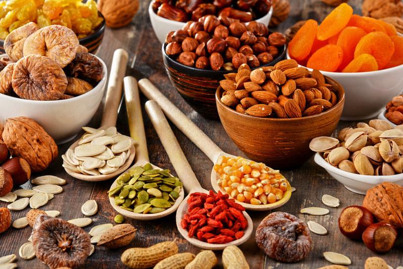 Bakalie zawierają ważne dla rozwoju układu nerwowego kwasy tłuszczowe LC-PUFA /123RF/PICSEL