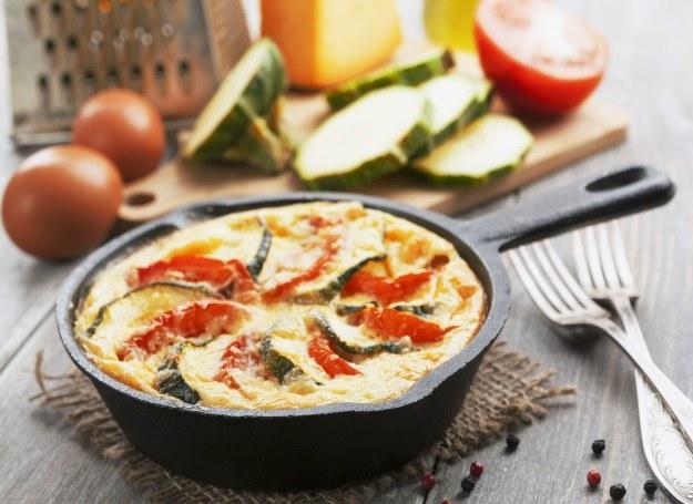Bakłażan, cukinia i pomidor - sposób na sycącą kolację! /123RF/PICSEL