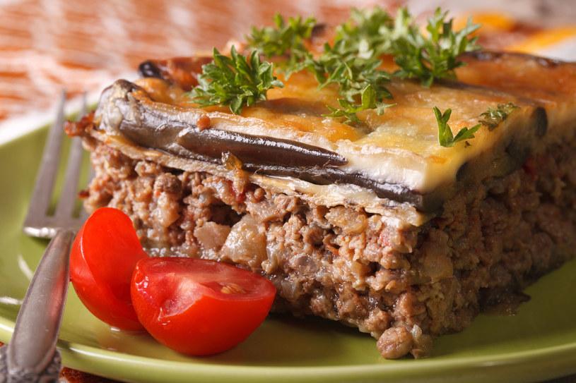 Bakłażan i mielone mięso to połączenie idealne /123RF/PICSEL