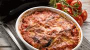 Bakłażan zapiekany z pomidorami i mozzarellą