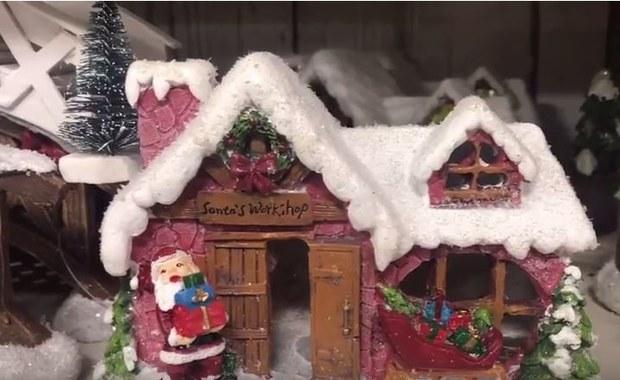 Bałwanki, choinki i bożonarodzeniowe stroiki w amerykańskich sklepach. We wrześniu...