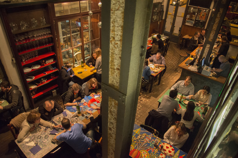 Bar na rogu ulic Paullier i Guaná                   fot. Diego Giudice /The New York Times Syndicate