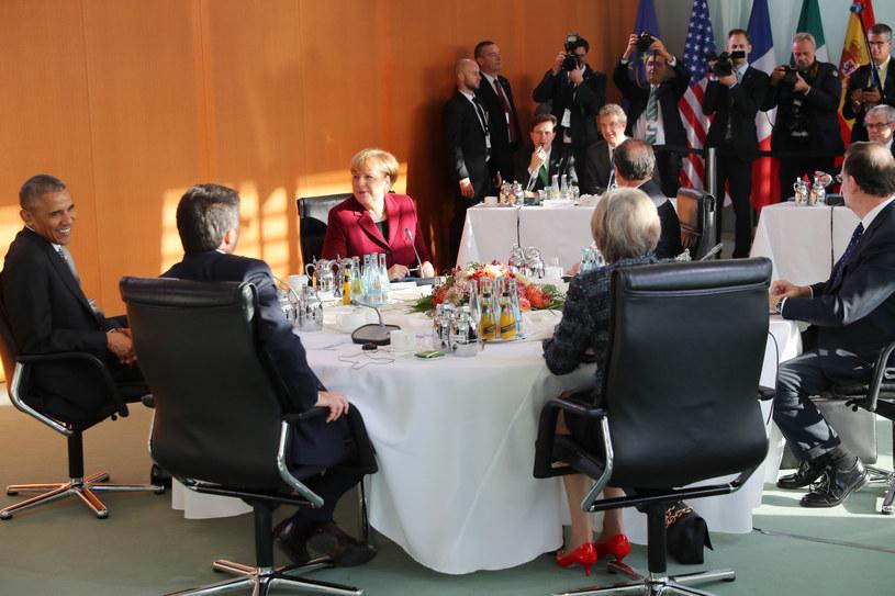Barack Obama na spotkaniu z europejskimi przywódcami /AFP