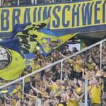 """Baraż o Bundesligę. """"Powódź"""" w szatni Eintrachtu Brunszwik"""