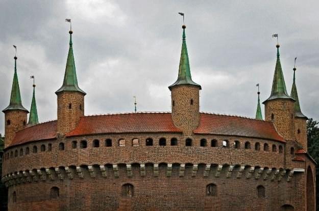 Barbakan będzie tłem dla podróży przez dzieje Krakowa fot. Anna Jasztal /materiały prasowe