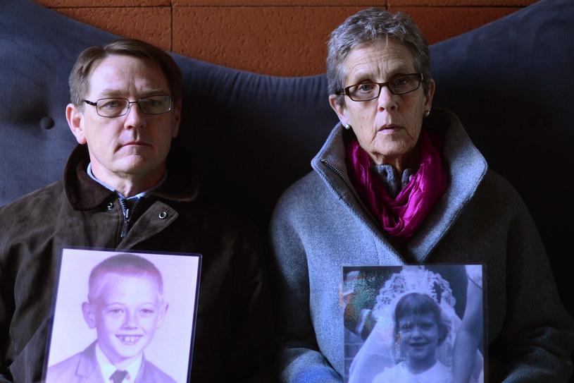 Barbara Dorris (z prawej) i David Clohessy ze SNAP w Rzymie, 26 lutego 2013 /GABRIEL BOUYS /AFP