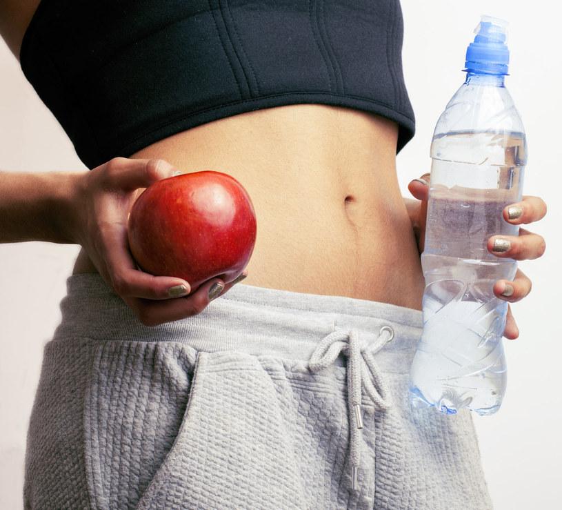 Bardzo często pomagają drobne zmiany w sposobie odżywiania /©123RF/PICSEL