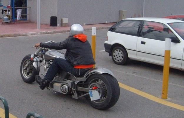 Bardzo długi motocykl