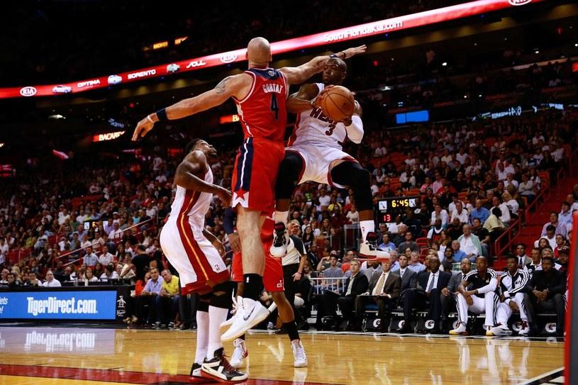 Bardzo dobra gra Marcina Gortata nie wystarczyła na pokonanie mistrzów NBA /AFP