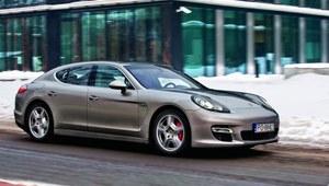 Bardzo szybka limuzyna Porsche. A do tego całkiem oszczędna