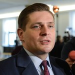 Bartosz Kownacki przekazał swoją nagrodę na Caritas