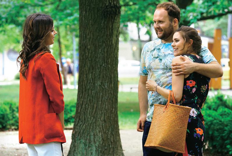 """""""Barwy szczęścia"""": lata..""""Barwy szczęścia"""": Klemens poinformuje Natalię, że Alina, z którą zamierza otworzyć skład celny, wkrótce zostanie jego żoną /Świat Seriali"""