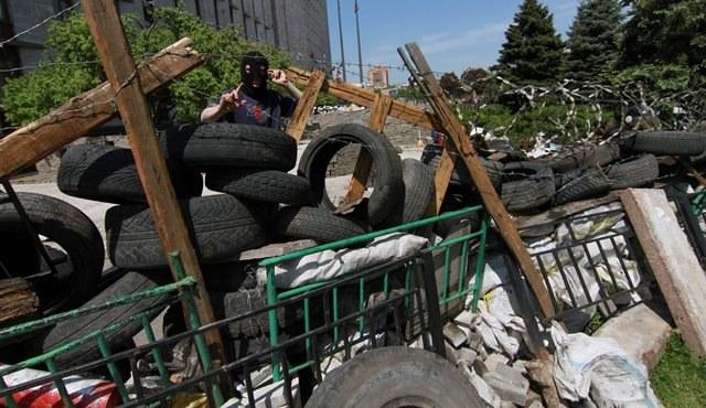 Barykady na ulicach Ukrainy /PHOTOMIG /PAP/EPA
