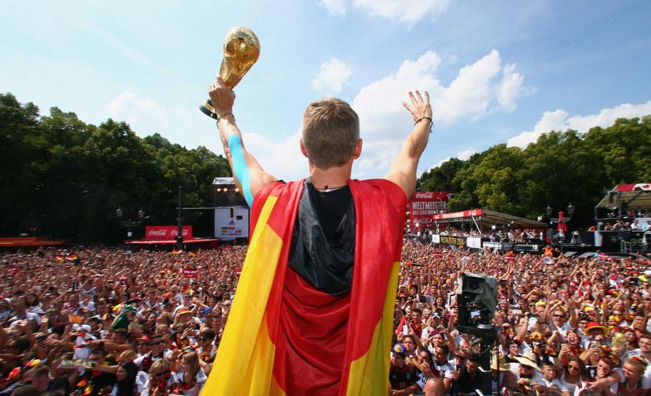 Bastian Schweinsteiger w berlińskiej Strefie Kibica /Bongarts/Getty Images/DFB/DPA/ALEX GRIMM /PAP/EPA