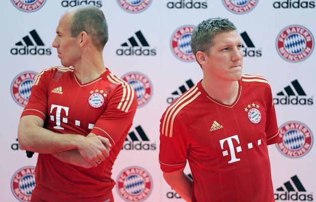 Bastian Schweinsteiger (z prawej) i Arjen Robben nie nadają na tych samych falach /AFP