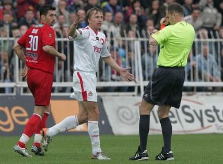 Baszczyński (w środku) nie zagra w derbach/fot. Jerzy Kleszcz /Agencja Przegląd Sportowy