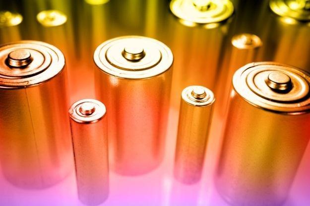 Baterie przyszłości będą ładować się nawet 120 razy szybciej? /©123RF/PICSEL