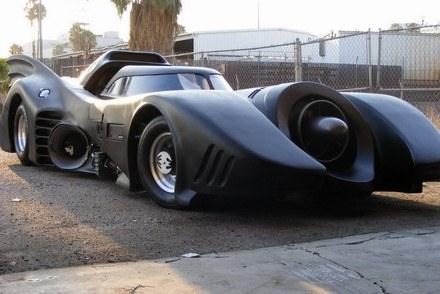 Batmobil wystawiony na sprzedaż /