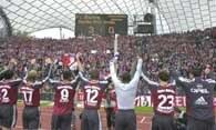 Bayern - Hertha 3:0. Piłkarze z Monachium dziękują kibicom po zakończeniu meczu