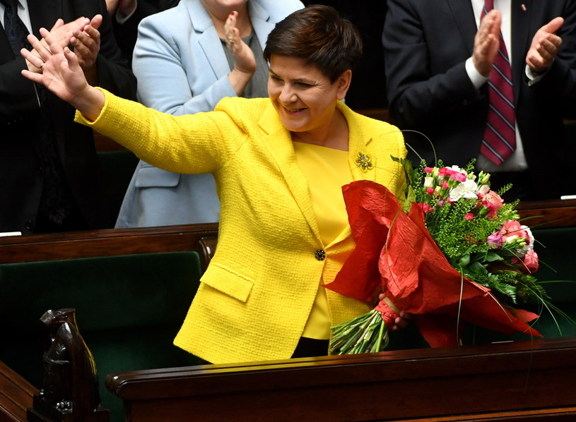 Beata Szydło jeszcze jako premier tuż po głosowaniu nad wnioskiem o wotum nieufności dla jej rządu /Bartłomiej Zborowski /PAP