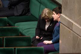 Beata Szydło smutną ma twarz...