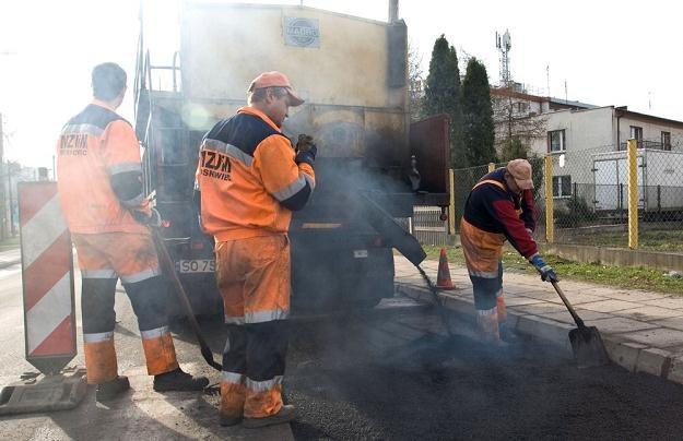 Będą pieniądze na remont dróg / Fot: Marek Kuwak /Reporter