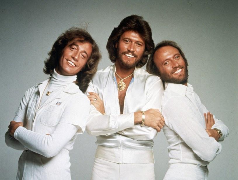Bee Gees pod koniec lat 70. - Barry Gibb w środku /AP/Fotolink