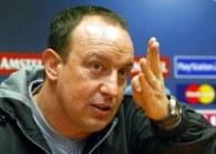 Benitez ma o czym myśleć /AFP
