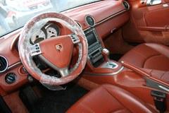 Bentley wsród nagrobków