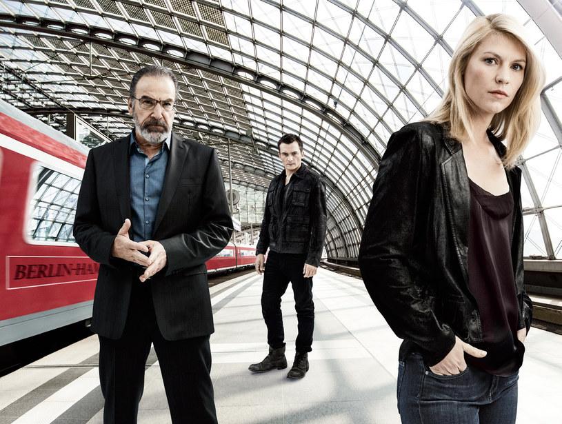 Berliński dworzec odegra kluczową rolę w 5. sezonie. Widzowie znów będą mogli liczyć na fascynującą wywiadowczą rozgrywkę między Saulem, Quinnem i Carrie. /Świat Seriali